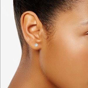 Jewelry - 🎉5 for $25🎉 Diamond Stud Earrings